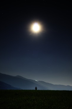 night-913046_1920
